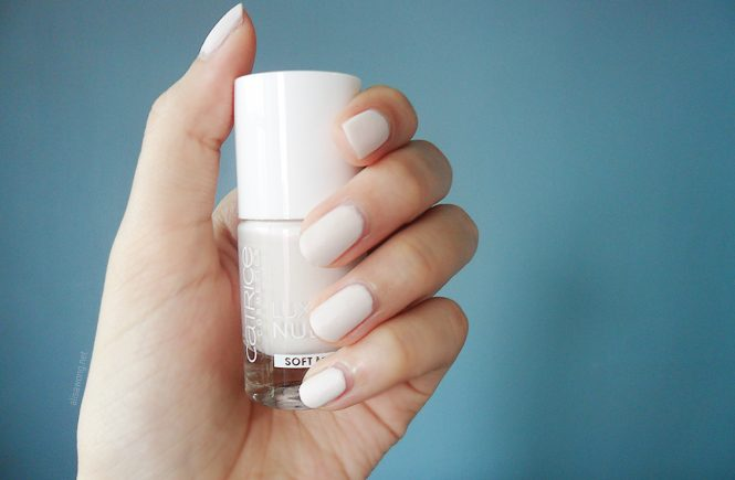 Catrice Luxury Nudes Soft Matte: 01 White & Bright